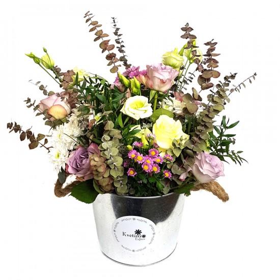 Květinový mix v Eucalyptu