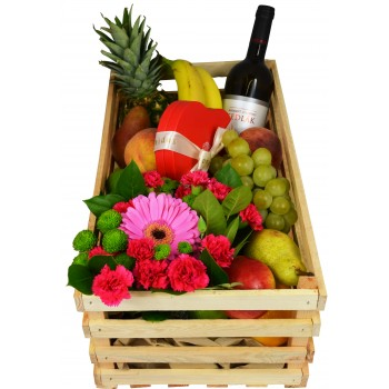 Gift box (fruits, chocolate, wine)