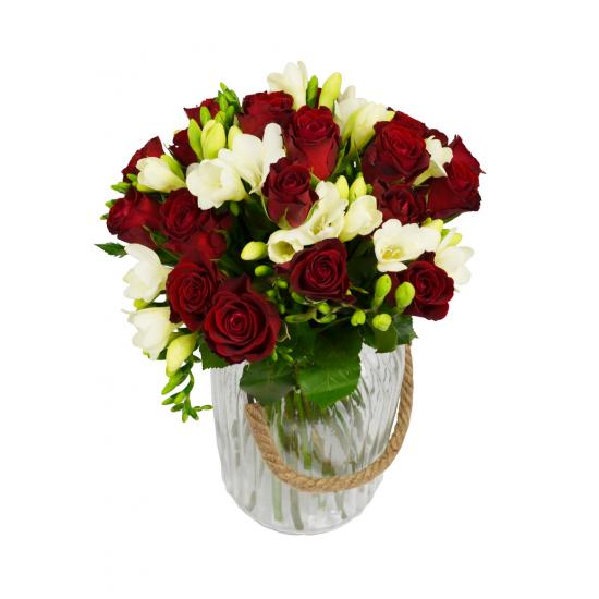 Růže s Frésií